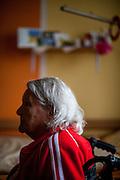 Die deutsche Rentnerin Olga Merkel in ihrem Zimmer im Pflegeheim in Pilsen, Tschechische Republik.