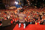 Sao Paulo_SP, Brasil...Show do Latino em comemoracao ao dia do trabalhador na Av. Paulita. Na Foto Rogerio Flausino...Latino show in Labor Day celebration at Av Paulita. In this photo Rogerio Flausino...Foto: LEO DRUMOND / NITRO