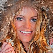 NLD/Utrecht/20110126 - Perspresentatie Sterren Dansen op het IJs 2011, Inge de Bruijn met bontkraag