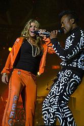 Fergie (E) e Taboo durante o show da banda Black Eyed Peas, no auditório da FIERGS, em Porto Alegre-RS. FOTO: Luiz A. Guerreiro/Preview.com