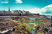 Frankrijk, St Malo, 17-5-2013Bretagne, vestingstad, gezicht op de stad bij eb, laagwater .Foto: Flip Franssen/Hollandse Hoogte