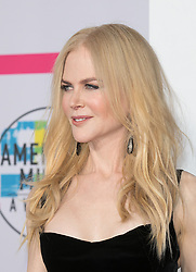 November 19, 2017 - Los Angeles, California, U.S - Nicole Kidman on the Red Carpet of the 2017 American Music Awards held on Sunday, November 19, 2017 at the Microsoft Theatre in Los Angeles, California. (Credit Image: © Prensa Internacional via ZUMA Wire)