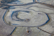 Nederland, Noord-Holland, Gemeente Abcoude, 10-01-2009; een enkele schaatser op plas in weiland tussen Abcoude en Baambrugge; de paarden in de wei krijgen hooi; a single skater on frozen water amids meadows/pastures; frozen lake; schaats, schaatser, schaatsen, ijs, ijspret, pret, ijsbaan, natuurijs, schaatsen rijden, winter, koud, vriezen, min nul, beneden nul, koud, celsius, skating, ice skating, ice, fun, skating rink, natural, skate, snow, cold, freezing, minus zero, below zero, cold, winterlandschap, winter landscape;  .luchtfoto (toeslag); aerial photo (additional fee required); .foto Siebe Swart / photo Siebe Swart