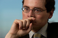 10 JAN 2005, BERLIN/GERMANY:<br /> Roger Koeppel, Chefredakteur der Tageszeitung Die Welt, waehrend einem Interview, in seinem Buero, Axel-Springer-Haus<br /> IMAGE: 20050110-02-055<br /> KEYWORDS: Roger Köppel