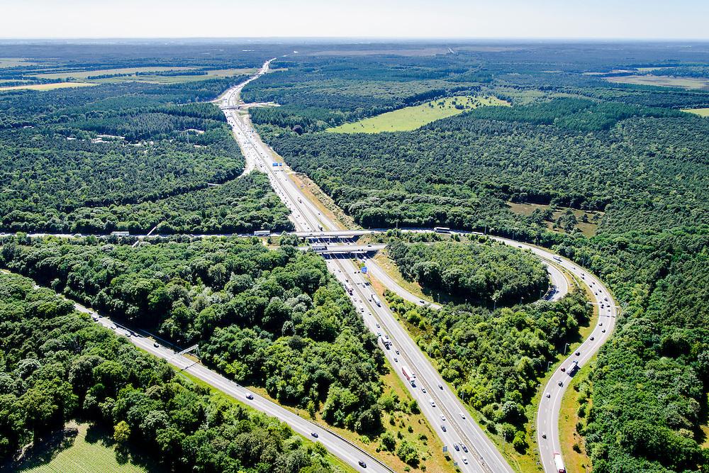 Nederland, Gelderland, Gemeente Arnhem, 09-06-2016; knooppunt Grijsoord, A12 en A50.<br /> Grijsoord junction, near Arnhem<br /> luchtfoto (toeslag op standard tarieven);<br /> aerial photo (additional fee required);<br /> copyright foto/photo Siebe Swart