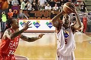 DESCRIZIONE : Roma Campionato Lega A 2013-14 Acea Virtus Roma EA7 Emporio Armani Milano <br /> GIOCATORE : Phil Goss<br /> CATEGORIA : tiro<br /> SQUADRA : Acea Virtus Roma<br /> EVENTO : Campionato Lega A 2013-2014<br /> GARA : Acea Virtus Roma EA7 Emporio Armani Milano <br /> DATA : 02/12/2013<br /> SPORT : Pallacanestro<br /> AUTORE : Agenzia Ciamillo-Castoria/M.Simoni<br /> Galleria : Lega Basket A 2013-2014<br /> Fotonotizia : Roma Campionato Lega A 2013-14 Acea Virtus Roma EA7 Emporio Armani Milano <br /> Predefinita :