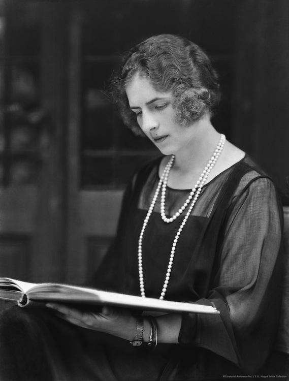 Princess Helena of Romania, 1923