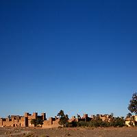 Africa, Morocco, Skoura. Kasbah Amridil in landscape of Skoura.