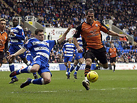 Fotball<br /> England 2004/2005<br /> Foto: SBI/Digitalsport<br /> NORWAY ONLY<br /> <br /> Date: 22/01/2005.<br /> Reading v Ipswich Town Coca-Cola Championship.<br /> Graeme Murty of Reading flies in on Shefki Kuqi of Ipswich.