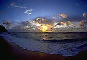 Sunrise, Wailua Beach, Kauai, Hawaii, USA<br />