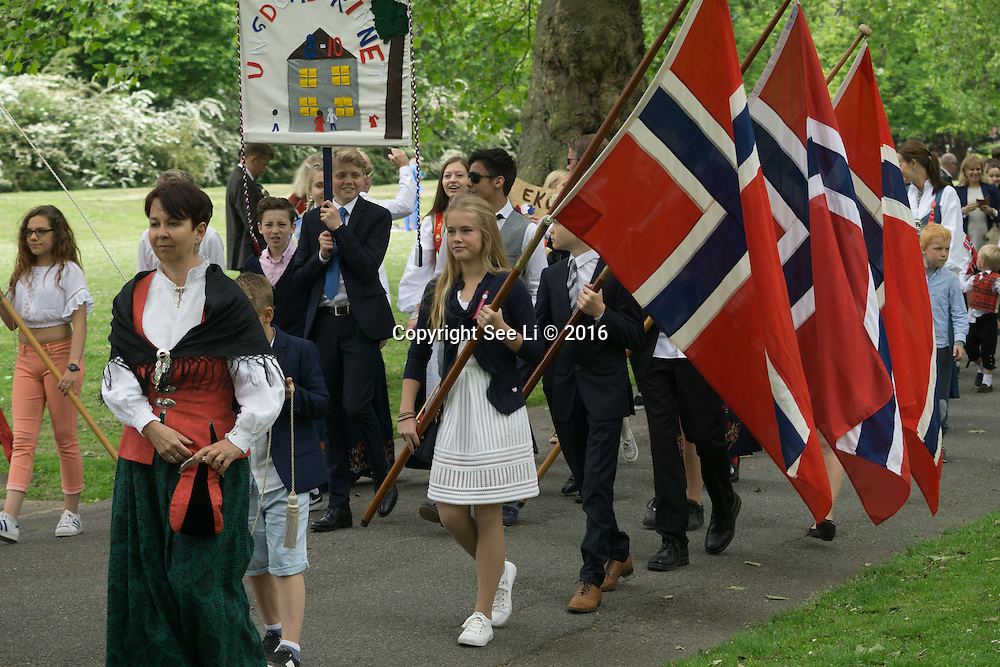 London,England,UK : 17th May 2016 : Union Jack Flying perpare for the open Parliament tomorrow 18th May 2016 in London. Photo by See Li