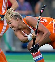 BOOM - Maartje Paumen tijdens de eerste poule wedstrijd van Oranje tijdens het Europees Kampioenschap hockey   tussen de vrouwen Nederland en Ierland (6-0). ANP KOEN SUYK