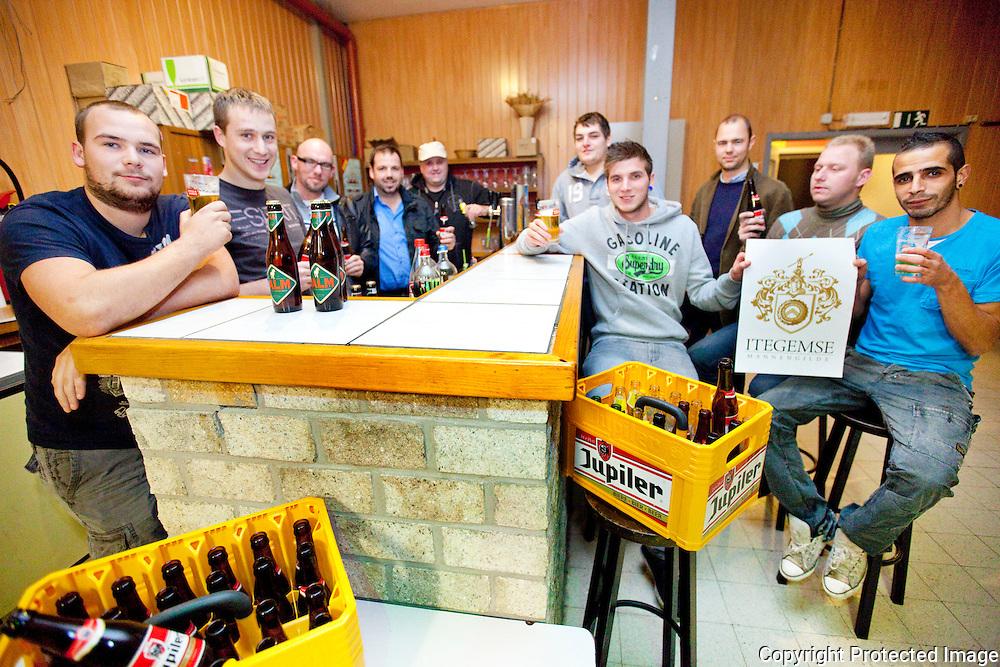 369612-Nieuwe mannengilde in Itegem, zaal Lux-