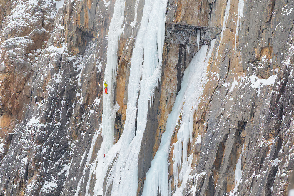 Pat Lindsay ice climbing Arian P'tit Gremlin, WI5 300m, a Guy Lacelle First Ascent in Protection Valley, Alberta, Canada