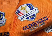 GLENEAGLES SCHOTLAND - RYDER CUP logo op Golfbaan van Gleneagles. Er zijn drie bannen van Gleneagles. De Queen's Corse, King's  Corse en de belangrijkste is de PGA Centenary Course. Op de PGA course wordt in 2014 de Ryder Cup gespeeld. Het Gleneagles Hotel heeft 5 sterren en het restaurant van Andrew Fairlie met 2 Michelin sterren. FOTO KOEN SUYK