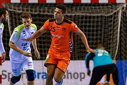11-04-2019 NED: Netherlands - Slovenia, Almere<br /> Third match 2020 men European Championship Qualifiers in Topsportcentrum in Almere. Slovenia win 26-27 / Ephrahim Jerry  #25 of Netherlands