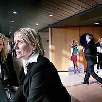 Nederland,Utrecht ,18 februari 2008..Erna van der Neut (r) en Danielle Dielissen van SNS Reaal delen duobaan