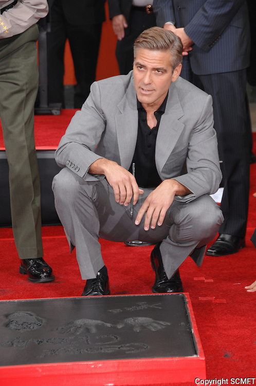 5/5/2007 George Clooney's hand/footprint ceremony at the Chinese Theater