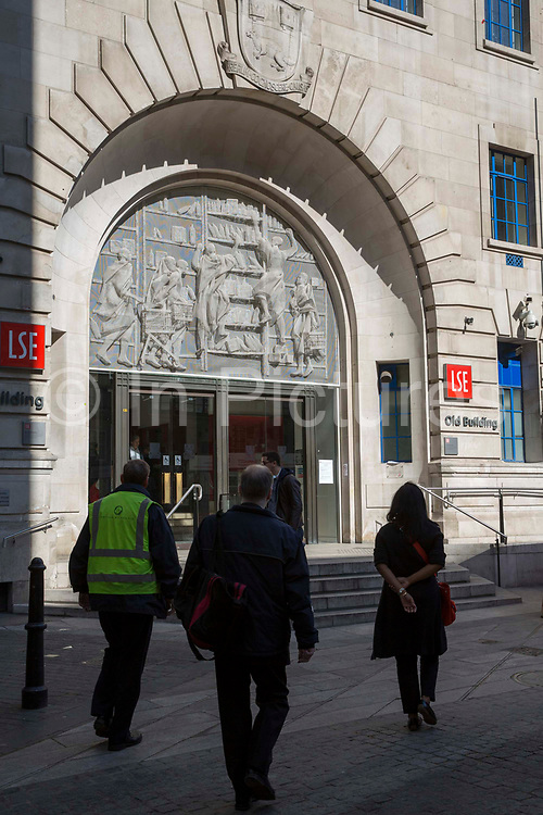 The main entrance to the old building of The London School of Economics and Political Science LSE. Westminster, Central London. One of the leading social science universities in the world with students attending from over 155 different nations.