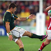 Morne Steyn, South Africa, in action during the Wales V South Africa, Pool D match during the Rugby World Cup in Wellington, New Zealand,. 11th September 2011. Photo Tim Clayton