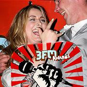 NLD/Amsterdam/20080426 - Uitreiking 3FM Awards 2008, Anouk met boer Frans