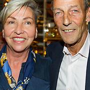 NLD/Scheveningen/20171107 - Boekpresentatie Deal, Johan Neeskens en partner Marlise