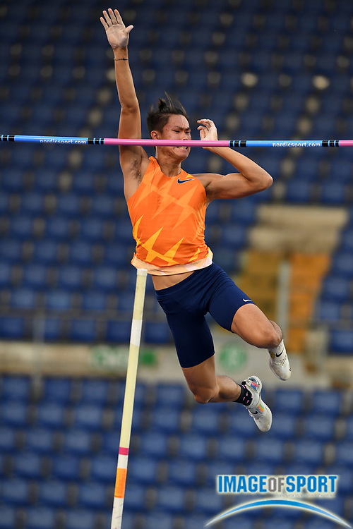 Ernest John Obiena (PHI) places third in the pole vault at19-¼ (5.80m) during the Mennea Golden Gala at Stadio Olimpico, Thursday, Sept. 17, 2020, in Rome. (Jiro Mochizuki/Image of Sport)