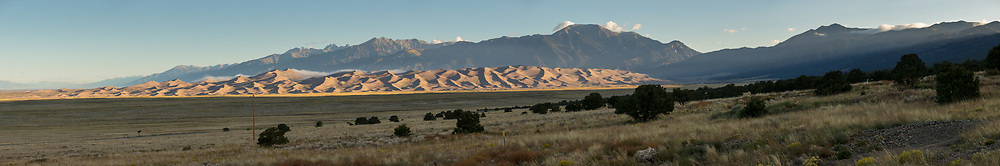 https://Duncan.co/great-sand-dunes-panorama-at-dawn-2