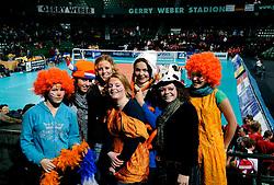 18-01-2008 VOLLEYBAL: OKT2 TURKIJE - POLEN: HALLE<br /> Oranje publiek support volleybalpubliek<br /> ©2008-WWW.FOTOHOOGENDOORN.NL