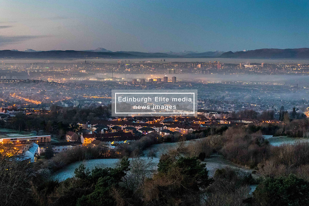 Mist fills the Clyde Valley as temperatures stay below zero all day (Sunday) and the sun sets over the city of Glasgow (c) Ross Eaglesham  Edinburgh Elite media