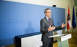 """07.03.2019, Finanzministerium, Wien, AUT, Bundesregierung, Pressekonferenz zum Thema """"Betrugsbekämpfung"""", im Bild Finanzminister Hartwig Löger (ÖVP) // Austrian Minister for Finance Hartwig Loeger during a media conference due to combating of fraud at finance ministry in Vienna, Austria on 2019/03/07, EXPA Pictures © 2019, PhotoCredit: EXPA/ Michael Gruber"""