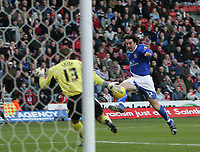 Photo: Lee Earle.<br /> Southampton v Ipswich Town. Coca Cola Championship. 21/01/2006. Alan Lee beats Saints keeper Paul Smith to open the scoring for Ipswich.
