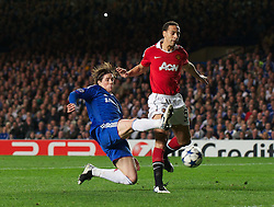 06.04.2011, Stamford Bridge, London, ENG, UEFA CL, Viertelfinale, Hinspiel, Chelsea FC (ENG) vs Manchester United (ENG), im Bild Chelsea's Fernando Torres misses a chance under pressure from Manchester United's Rio Ferdinand during the UEFA Champions League Quarter-Final 1st leg match at Stamford Bridge, EXPA Pictures © 2011, PhotoCredit: EXPA/ Propaganda/ D. Rawcliffe *** ATTENTION *** UK OUT!