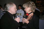 Michael Attenborough and Lady Rayne. Almeida 25th Anniversay Gala. Gagosian Gallery, Brittania St. Kings Cross. London. 27 January 2005. ONE TIME USE ONLY - DO NOT ARCHIVE  © Copyright Photograph by Dafydd Jones 66 Stockwell Park Rd. London SW9 0DA Tel 020 7733 0108 www.dafjones.com
