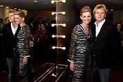 VIP-avond van Laura Vlasbloms theatertour ROK in theater Gooiland te Hilversum.<br /> <br /> Op de foto: <br />  Bastiaan Ragas en Tooske Ragas - Breugem (zwanger)