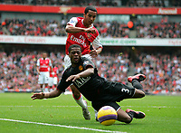 Photo: Tom Dulat/Sportsbeat Images.<br /> <br /> Arsenal v Manchester United. The FA Barclays Premiership. 03/11/2007.<br /> <br /> Theo Walcott of Arsenal and Patrice Evra of Manchester United with the ball.