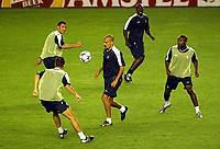 Photograph: Scott Heavey.<br />Chelsea training session in Prague before the Champions League match. 15/09/2003.<br />Juan Sebastian Veron leads the way in front of a host of new-comers.