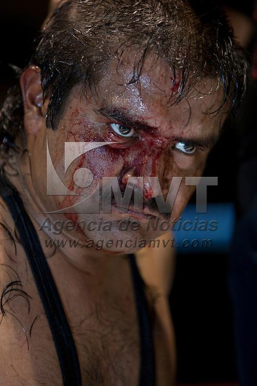 TOLUCA, Mexico.- Gladiadores se presentan en una funcion de lucha libre la noche de ayer en el deportivo Agustin Millan de esta ciudad. Agencia MVT / Mario Vazquez de la Torre. (DIGITAL)
