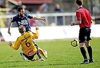 Fotball , <br /> Adeccoligaen<br /> Melløs Stadion , <br /> Moss v Bodø Glimt<br /> 09.05.2010<br /> Mounir Hamoud i duell med Kevin Nicol , <br /> Foto: Thomas Andersen / Digitalsport ,