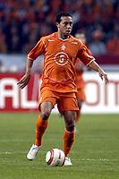 Fotball<br /> VM-kvalifisering<br /> Nederland v Finland<br /> 13. okober 2004<br /> Foto: Digitalsport<br /> NORWAY ONLY<br /> danny landzaat *** Local Caption *** 40001371
