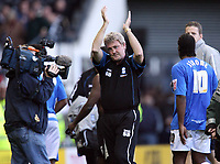 Photo: Rich Eaton.<br /> <br /> Derby County v Birmingham City. Coca Cola Championship. 21/10/2006. Steve Bruce applauds the travelling fans at the end of the game