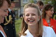 On Queensday, april 30th the Queen attends the celebrations of Queensday in Scheveningen near the Hague.<br /> This is her 25th jubilee.<br /> <br /> Op Koninginnedag, 30 april, is de Koningin  's Middags aanwezig metn en haar familie het koninginnedagfeest mee te vierten in Scheveningen.<br /> <br /> On The photo / On the Photo;<br /> <br /> Prince Friso en Mabel Wisse Smit / Prins Friso en Mabel Wisse Smit