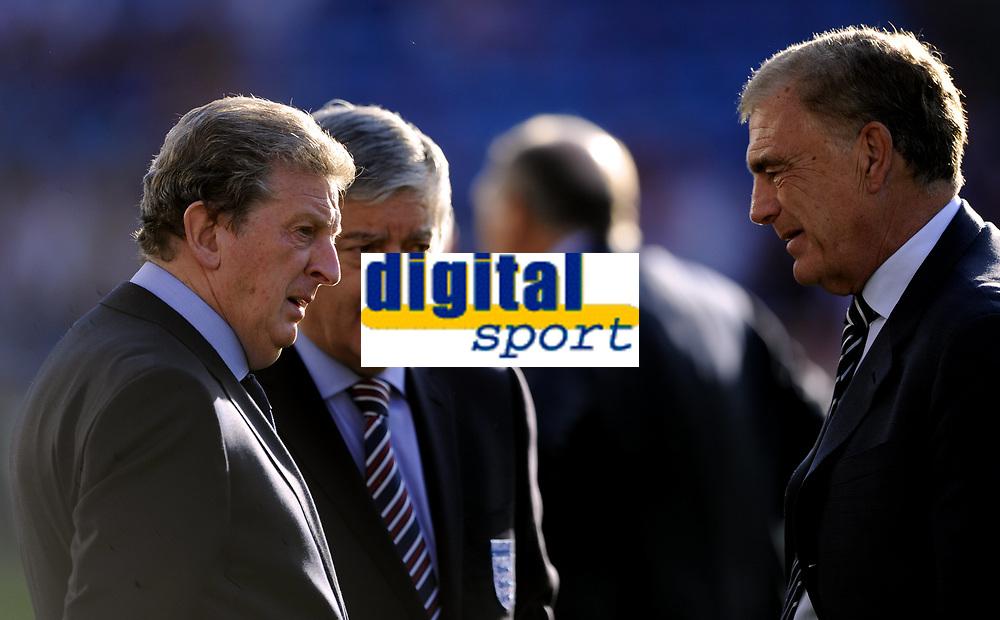 THIS PICTURE IS NORWAY ONLY - NO INTERNATIONAL USE<br /> <br /> Football<br /> 26.05.2012<br /> Friendly International<br /> Norge v England 0:1<br /> Norway v England at Ullevaal Stadion, Oslo<br /> Photo: Morten Olsen, Digitalsport<br /> <br /> Roy Hodgson (L) - David Bernstein (C) - Trevor Brooking (R) - England