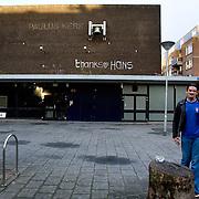"""Nederland Rotterdam 3 september 2007..Dankbetuiging,  """" thanks hans """",  op de gevel de inmiddels gesloten opvang voor verslaafden en daklozen. De pauluskerk zal binnenkort gesloopt gaan worden  ..Foto David Rozing"""