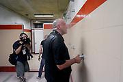 DESCRIZIONE : Forli DNB Final Four 2014-15 Gecom Mens Sana 1871 Eternedile Bologna<br /> GIOCATORE : Matteo Boniciolli<br /> CATEGORIA : esultanza postgame<br /> SQUADRA : Eternedile Bologna<br /> EVENTO : Campionato Serie B 2014-15<br /> GARA : Gecom Mens Sana 1871 Eternedile Bologna<br /> DATA : 13/06/2015<br /> SPORT : Pallacanestro <br /> AUTORE : Agenzia Ciamillo-Castoria/M.Marchi<br /> Galleria : Serie B 2014-2015 <br /> Fotonotizia : Forli DNB Final Four 2014-15 Gecom Mens Sana 1871 Eternedile Bologna