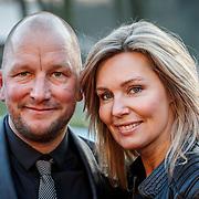 NLD/Hilversum/20150217 - Inloop Buma Awards 2015, Vivian Slingerland en partner Bob Rijnders