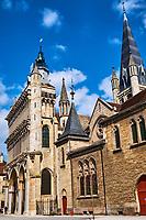 France, Côte-d'Or (21), Paysage culturel des climats de Bourgogne classés Patrimoine Mondial de l'UNESCO, Dijon, Place Notre Dame // France, Burgundy, Côte-d'Or, Dijon, Unesco world heritage site, Notre Dame square