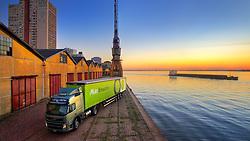 Caminhão da Multi Armazéns no cais do porto, em Porto Alegre. FOTO: Jefferson Bernardes/Preview.com