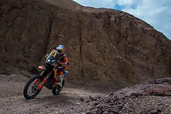 January 11, 2019 - Arequipa, Peru - AREQUIPA, PU - 11.01.2019: DAKAR 2019 - Sam Suderland (ENG) during the Dakar Rally 2019, this Friday (11), in Arequipa, Peru. (Credit Image: © José MáRio Dias/Fotoarena via ZUMA Press)