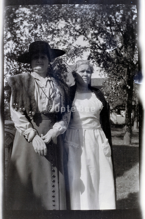 two adult woman rural USA 1920s 1930s